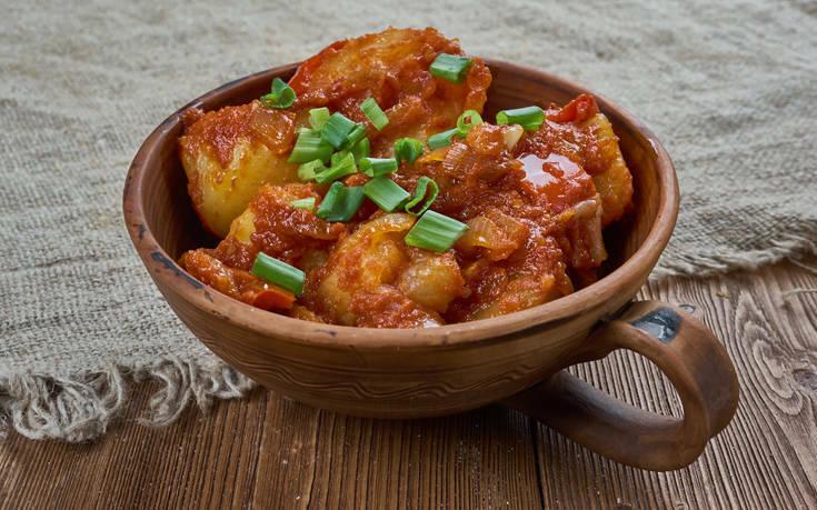Παραδοσιακές πατάτες γιαχνί ή αλλιώς… μπλουμ