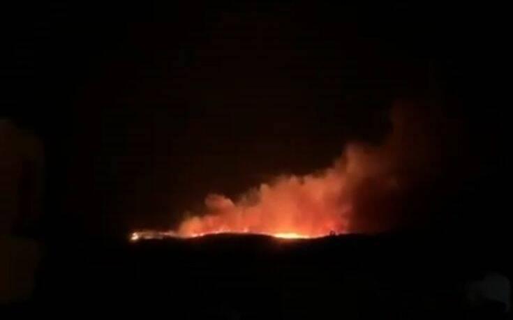 Φωτιά στο Τσεσμέ της Τουρκίας – Είναι ορατή και στη Χίο