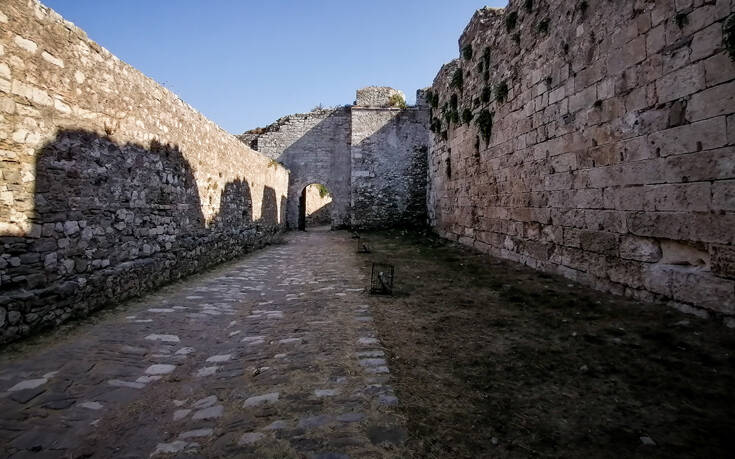 Σεργιάνι στο εμβληματικό κάστρο της Μεθώνης