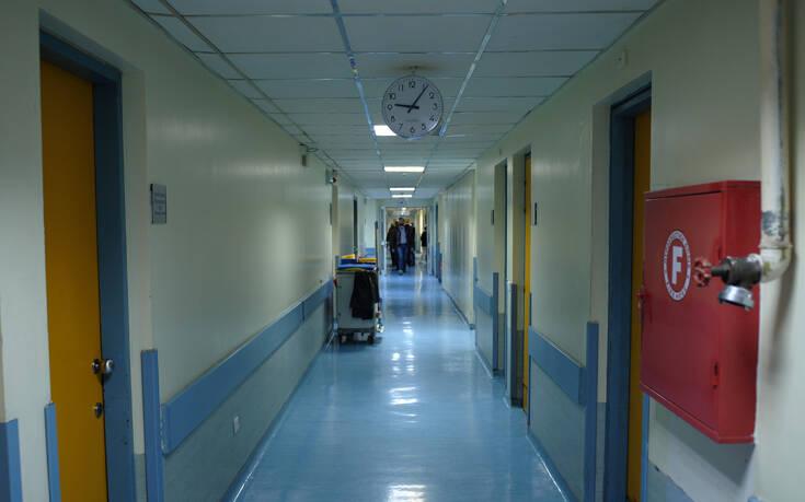 Καμπανάκι από την ΠΟΕΔΗΝ: «Τα νοσοκομεία καταρρέουν»