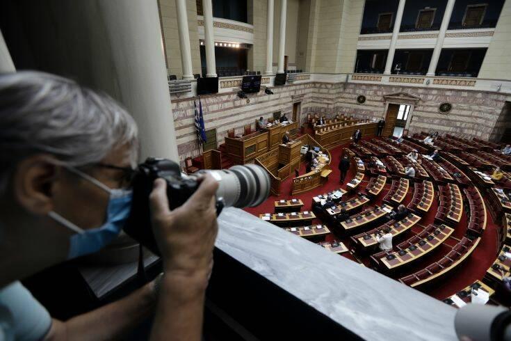 Aπό κινητό και τάμπλετ θα ψηφίζουν στις ονομαστικές ψηφοφορίες οι βουλευτές