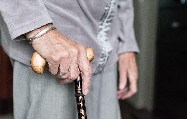 Εξαπάτηση ηλικιωμένης στην Κατερίνη: Της πήραν 200 ευρώ για δήθεν οφειλή συγγενή της