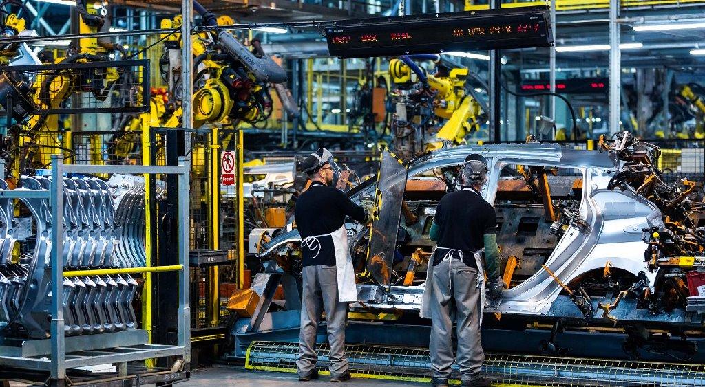 Το αμιγώς ηλεκτρικό μοντέλο της Nissan παραδόθηκε στον τυχερό του ιδιοκτήτη στη Νορβηγία