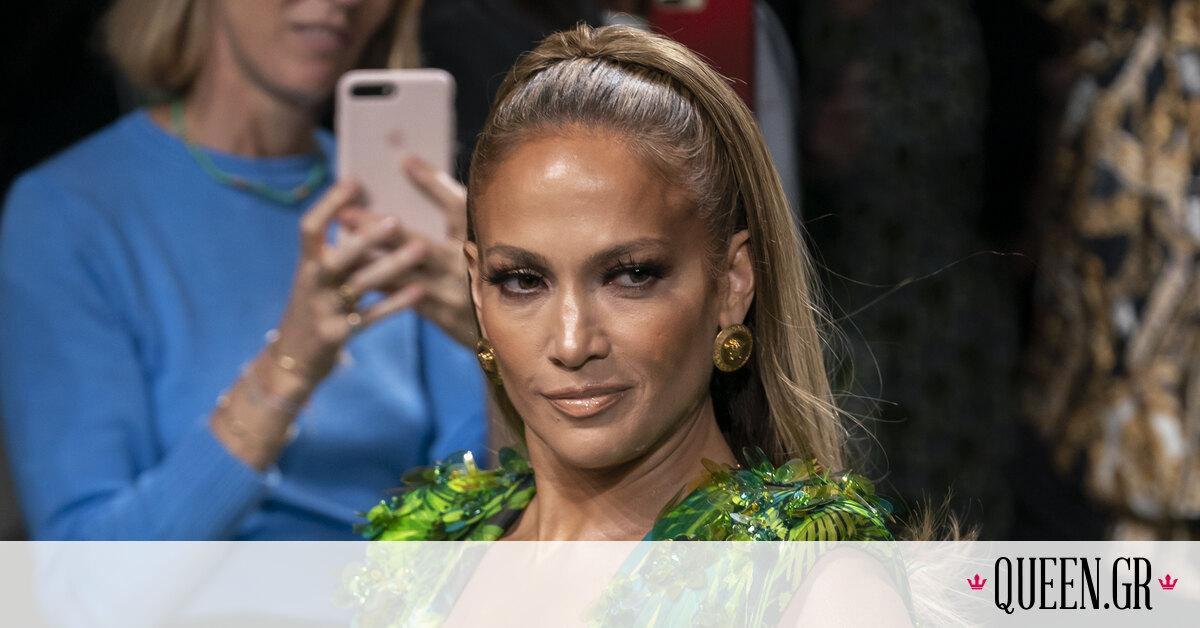 Αυτό το Versace κομμάτι φορούν όλες οι celebrities