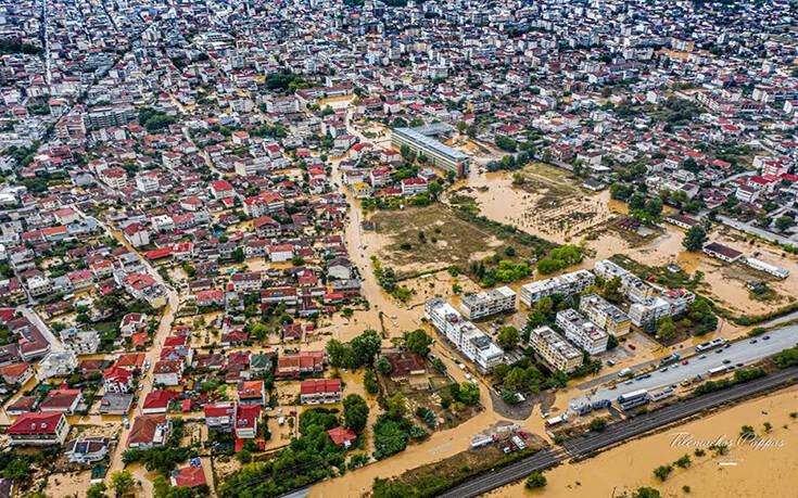 Η συγκινητική δημοσίευση του Ευθύμη Λέκκα για το σπίτι του στην Καρδίτσα που καταστράφηκε από την πλημμύρα