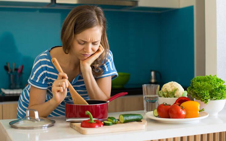 Απαλλαχτείτε από τις έντονες μυρωδιές μαγειρέματος