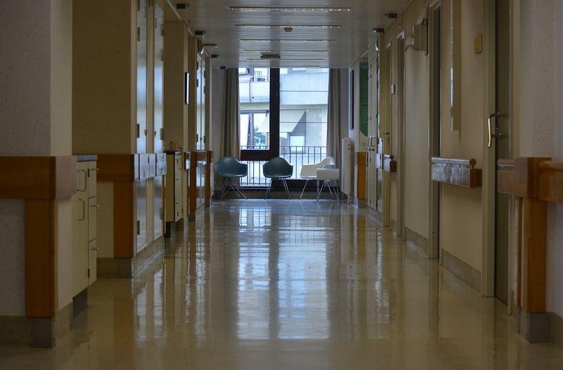 «Εργαζόμενοι νοσοκομείων άθελά τους μετατρέπονται σε υγειονομικές βόμβες» καταγγέλλει η ΠΟΕΔΗΝ