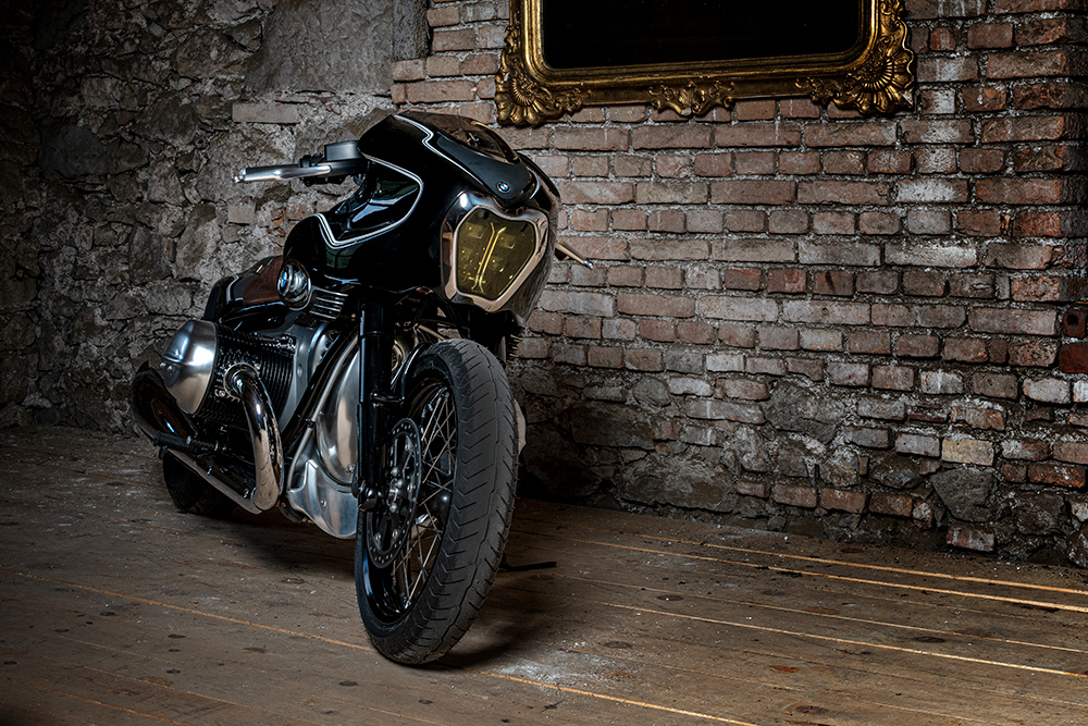 BMW Motorrad: νέα custom μοτοσικλέτα Blechmann R 18