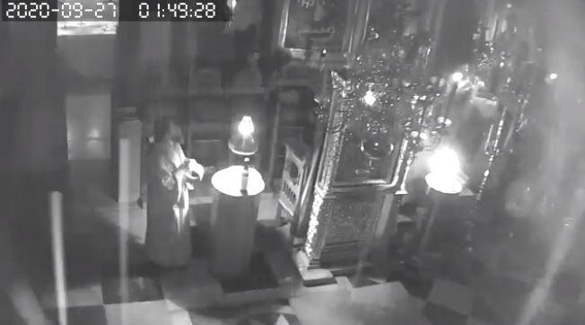 Σεισμός στο Άγιο Όρος: Πέφτουν οι σοβάδες και οι μοναχοί ψέλνουν (βίντεο)