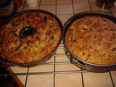 Ελιωτή & χαλουμωτή (κέικ) Από Κύπρο.