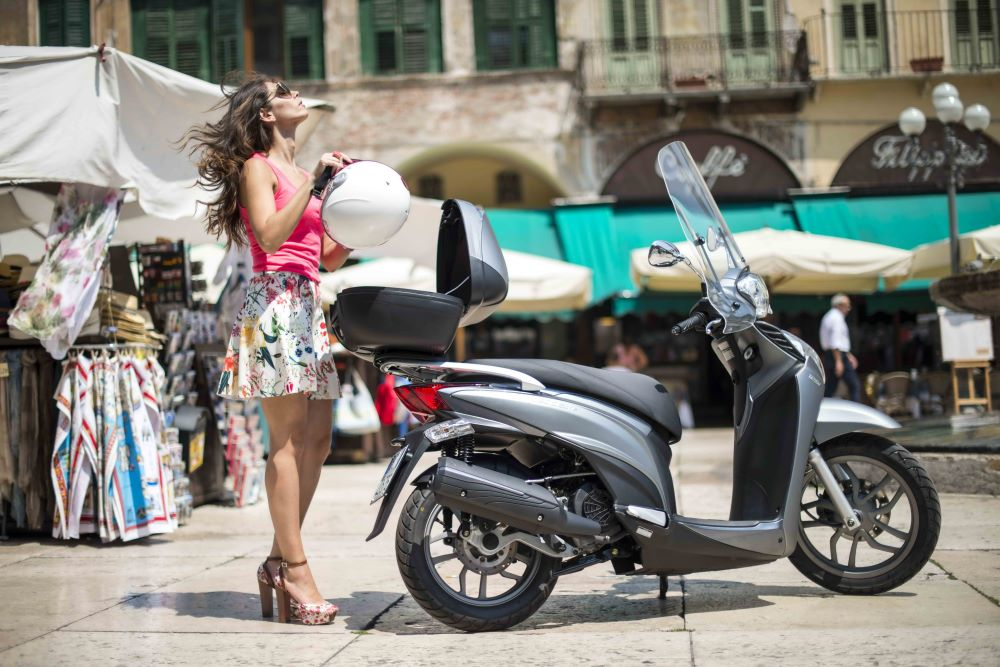 Kymco: Kymco People One 125i CBS σε super προσφορά!