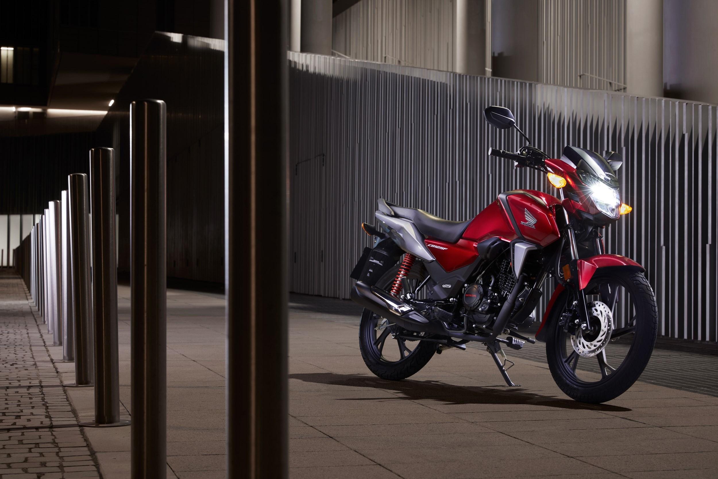 Honda CB125F: μια εξαιρετική και αξιόπιστη πρόταση για νέους αναβάτες!
