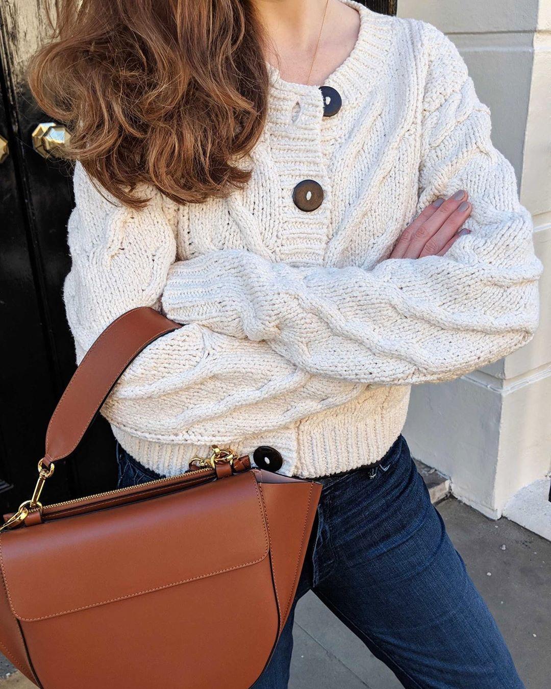 «Ζακέτα να πάρεις!»: Αυτό το στυλ cardigan θα φοράμε όλες τον χειμώνα