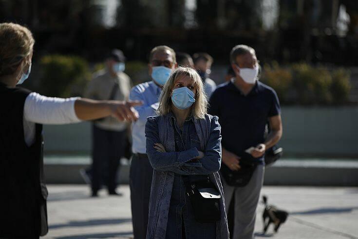 Κορονοϊός στην Ελλάδα: Νέο αρνητικό ρεκόρ με 935 κρούσματα – Πέντε νέοι θάνατοι, 93 οι διασωληνωμένοι