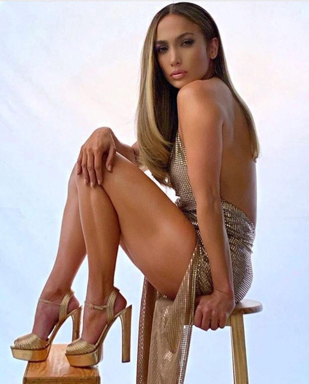 Η Jennifer Lopez φόρεσε Celia Kritharioti και φωτογραφήθηκε για το περιοδικό Billboard