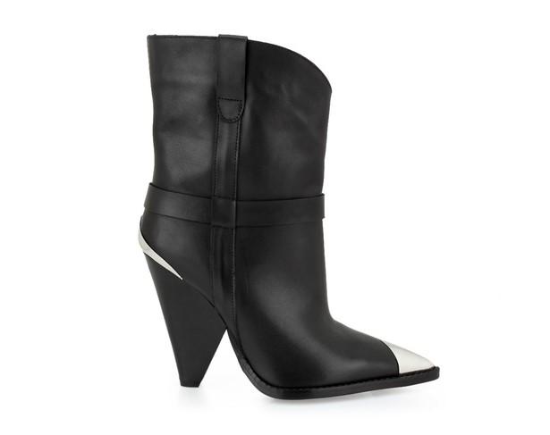 Cowboy Boots: Η τάση στα παπούτσια που έχει λατρέψει η Ηλιάνα Παπαγεωργίου