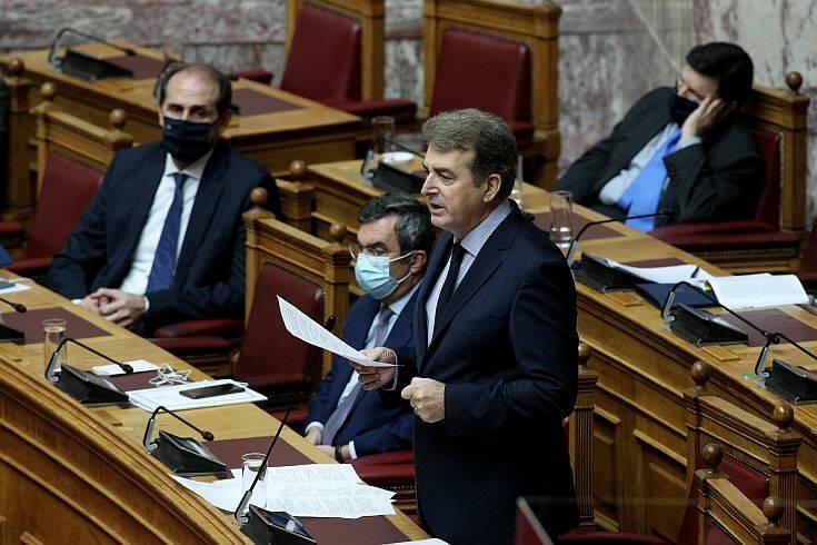 Ένταση στη Βουλή μετά τις δηλώσεις Χρυσοχοΐδη για τα 12 μίλια
