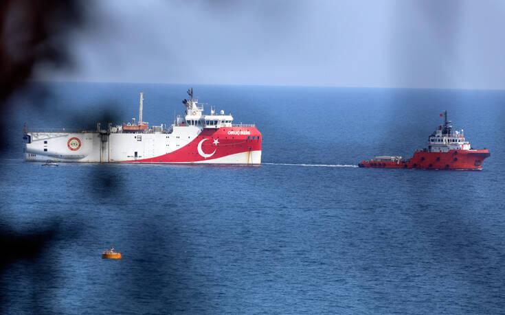 Το Oruc Reis «έσπασε» τα 12 ναυτικά μίλια και απομακρύνεται – Πόλεμος νεύρων από την Τουρκία