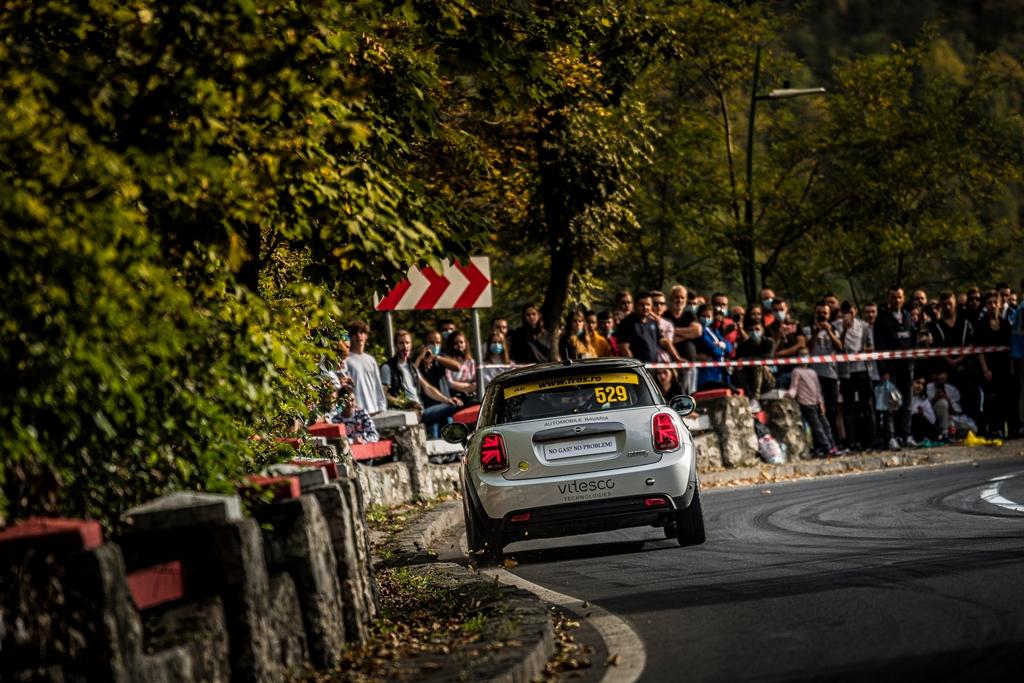 Παγκόσμια πρεμιέρα στη Ρουμανία:Το αμιγώς ηλεκτρικό ΜΙΝΙ συμμετείχε για πρώτη φορά στην ιστορία σε αγώνα ταχύτητας.