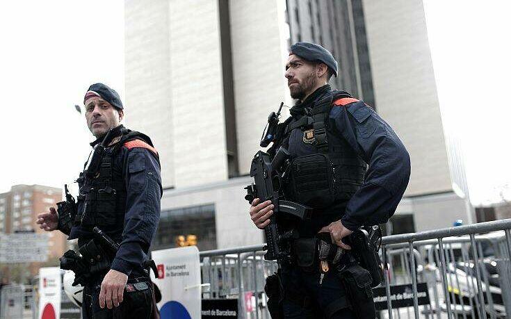 Ισπανία: Συνελήφθη ένας Μαροκινός επειδή εγκωμίαζε τον αποκεφαλισμό του καθηγητή στο Παρίσι
