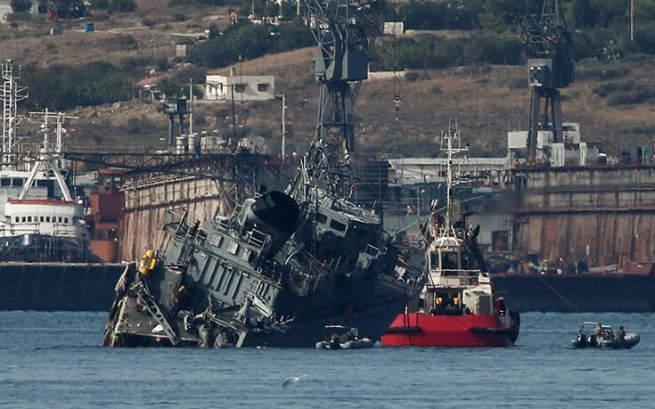 Σύγκρουση πλοίων στον Πειραιά: «Προκλήθηκε ελεγχόμενη θαλάσσια ρύπανση»