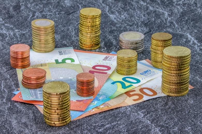 Ξανά στις αγορές η Ελλάδα με επανέκδοση του 15ετούς ομολόγου