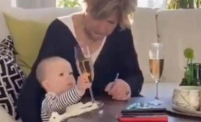 Γιαγιά προτίμησε να «σώζει» το ποτήρι και αφήνει το εγγόνι της! [Βίντεο]