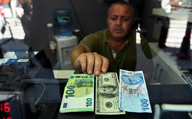 Οι συνέπειες εάν εφαρμοστεί η αναστολή της τελωνειακής ένωσης με την ΕΕ: Με κατάρρευση κινδυνεύει η τουρκική οικονομία