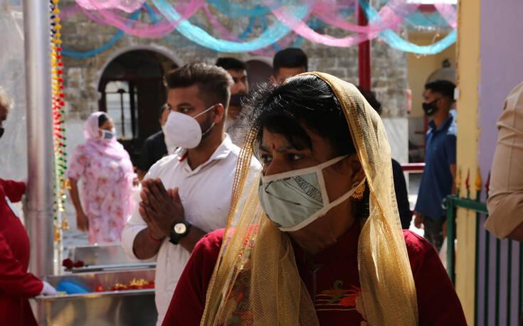 Στα 7,55 τα κρούσματα κορονοϊού στην Ινδία