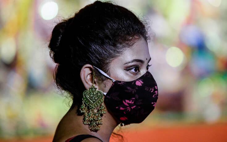 Ο κορονοϊός «σφυροκοπά» την Ινδία: 45.148 κρούσματα μόλυνσης σε μία μέρα – 7,91 εκατ. συνολικά