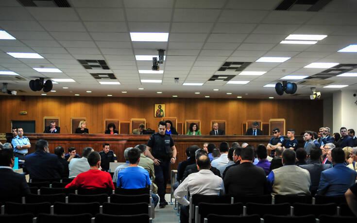 Πολιτική αντιπαράθεση ΝΔ – ΣΥΡΙΖΑ με φόντο τη δίκη της Χρυσής Αυγής