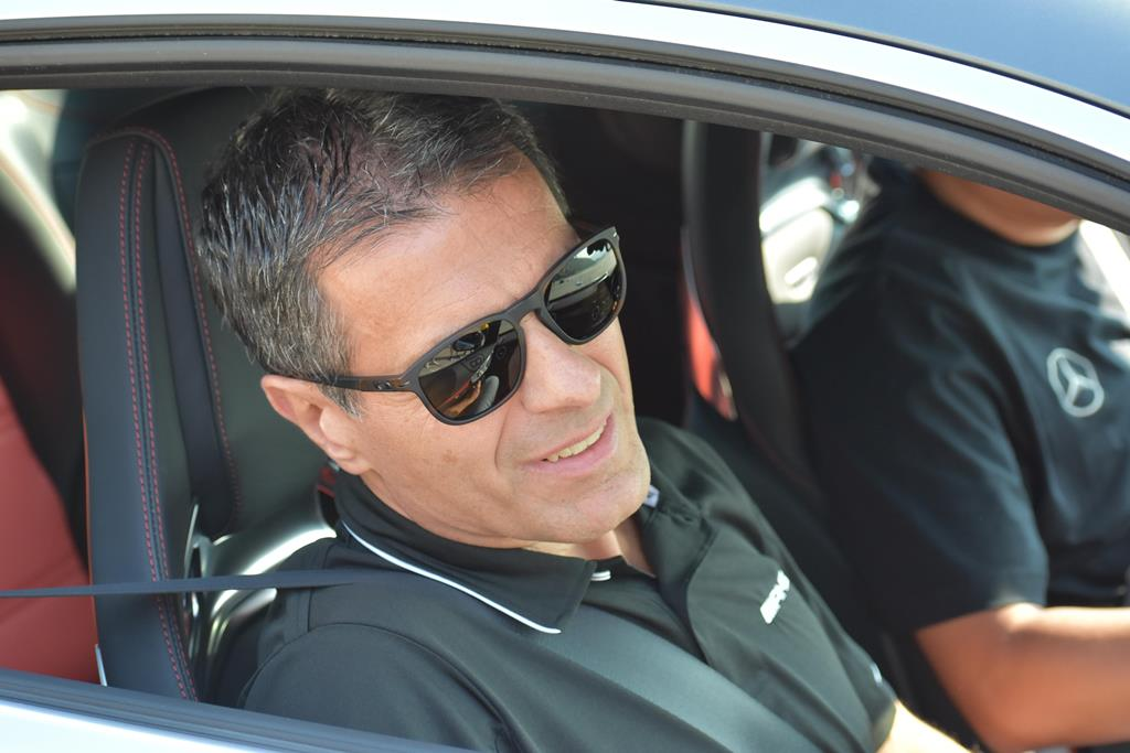 Ο Δημήτρης Ψυλλάκης στο «τιμόνι» της Mercedes -Benz στις ΗΠΑ
