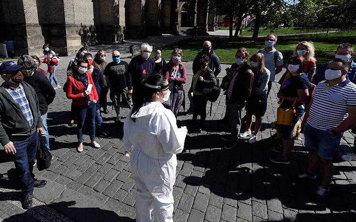Μίνι lockdown στην Τσεχία μετά τη ραγδαία αύξηση των κρουσμάτων