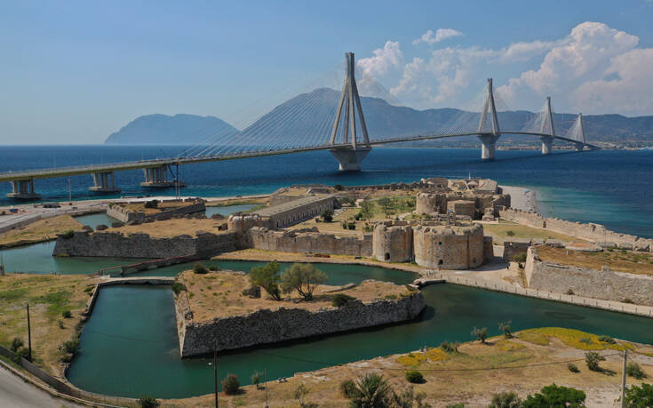 Το κάστρο στη «σκιά» της γέφυρας Ρίου- Αντιρρίου