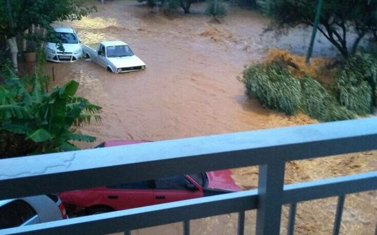 Κακοκαιρία στην Κρήτη: Πνίγηκαν στη λάσπη στη Χερσόνησο – Παρασύρθηκαν αυτοκίνητα
