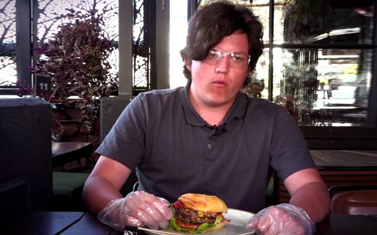 Το μπέργκερ που πρέπει να υπογράψεις δήλωση για να το φας – Ο κορονοϊός έκανε τη «σάλτσα θανάτου» να επιστρέψει