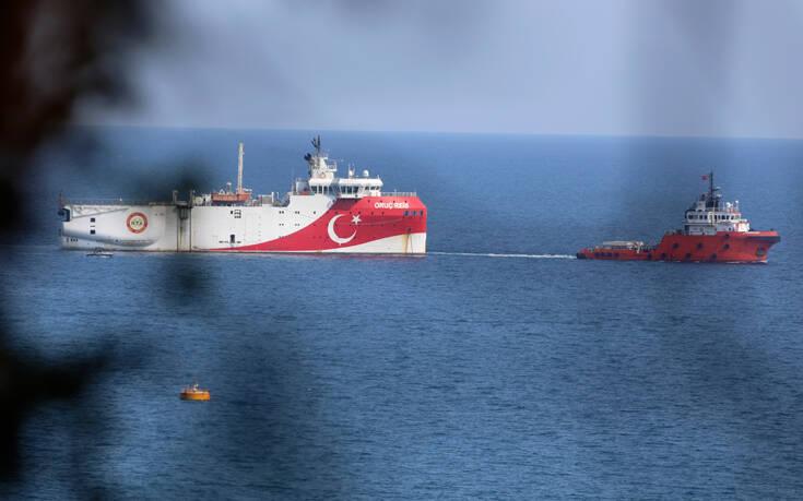 Συνεχίζει τις προκλήσεις η Τουρκία: Μια ανάσα από τη Ρόδο το Oruc Reis – Στα Κατεχόμενα ο Ερντογάν