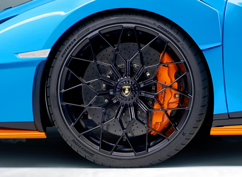 Η Lamborghini επέλεξε ελαστικά Bridgestone για το supercar Lamborghini Huracán STO