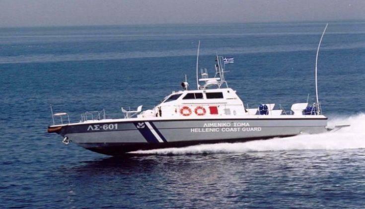 Κατάκολο: Ρυμουλκήθηκε το σκάφος στο οποίο φέρεται να επέβαιναν καταδιωκόμενοι από τον Ερντογάν