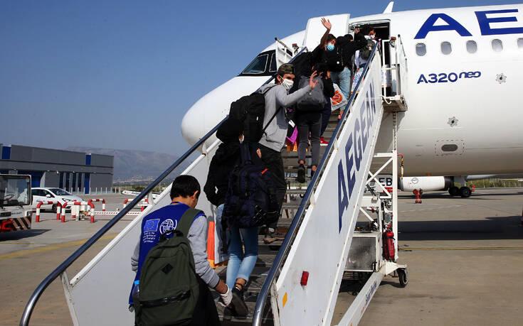Αναχώρησαν για το Ανόβερο 117 αιτούντες άσυλο – Μεταξύ τους βρίσκονται 73 παιδιά
