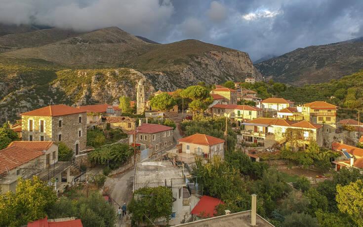 Το άγνωστο χωριό φωλιασμένο στο επιβλητικό τοπίο του Ταΰγετου