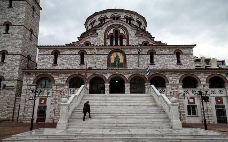 Βράζει η Ιεραρχία για τον τρόπο που θα λειτουργούν οι εκκλησίες – Τα μέτρα θα επανεξετάσει η κυβέρνηση