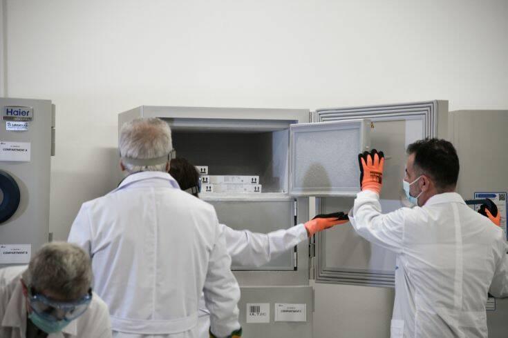 Κορονοϊός: Η πρεμιέρα του εμβολιασμού στην Ελλάδα και οι ενέσεις αισιοδοξίας