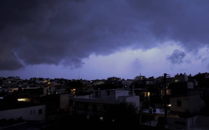 Έκτακτο δελτίο επιδείνωσης του καιρού με ισχυρές βροχές και καταιγίδες – Πότε θα επηρεαστεί η Αττική