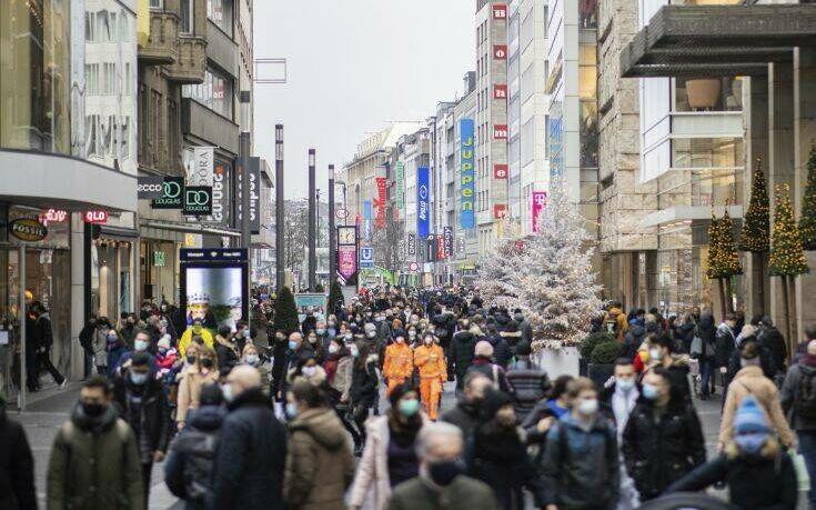 Προς γενικευμένο lockdown η Γερμανία για να ανακοπεί το δεύτερο κύμα της πανδημίας