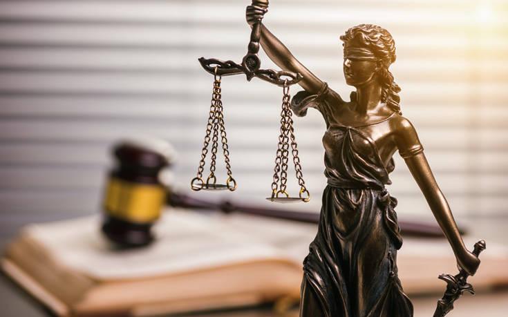 Κορονοιός: Αντιδρούν οι Διοικητικοί Δικαστές στις πύλες ψεκασμού στα δικαστήρια