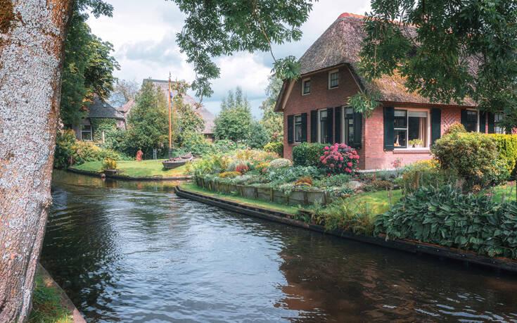 Η πόλη της Ολλανδίας που δεν έχει δρόμους