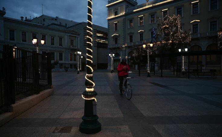 Απαγόρευση κυκλοφορίας: Σε ισχύ 22:00-5:00 και τα Χριστούγεννα και την Πρωτοχρονιά