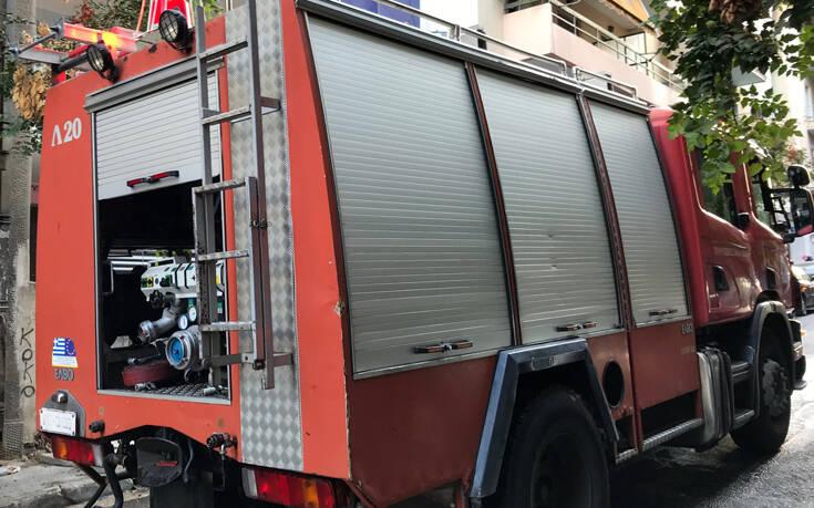 Φωτιά σε διαμέρισμα στην Πάτρα – Απεγκλωβίστηκαν τέσσερα άτομα