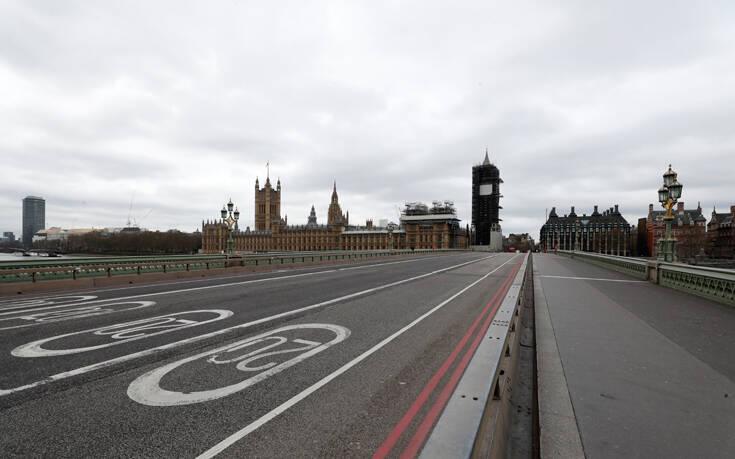 Ραγδαία αύξηση κρουσμάτων κορονοϊού στο Λονδίνο – Πιθανό το πιο αυστηρό lockdown